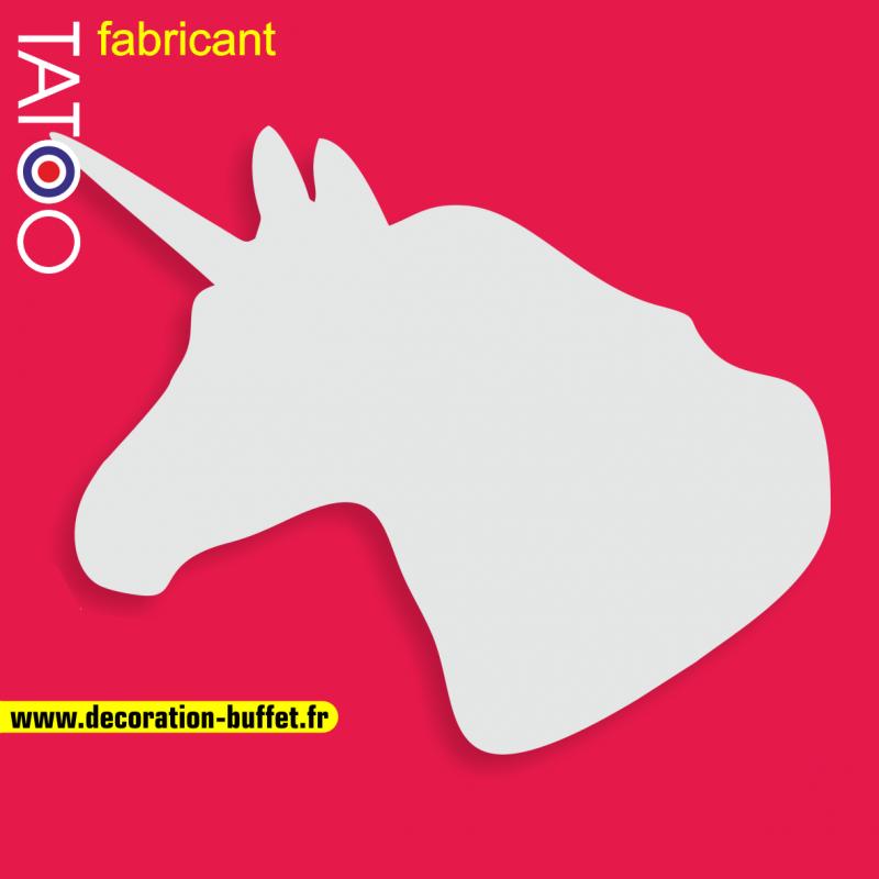 support gateau bonbons tête licorne personnage cheval corne
