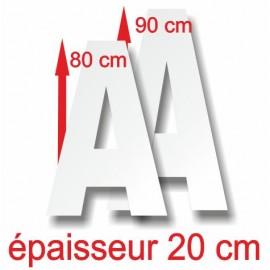 - Lettres majuscules polystyrène hauteur 80, 90 cm épaisseur 20 cm